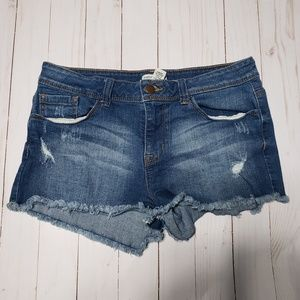 ☀️2/$15☀️ {Forever 21} Distressed Denim Shorts